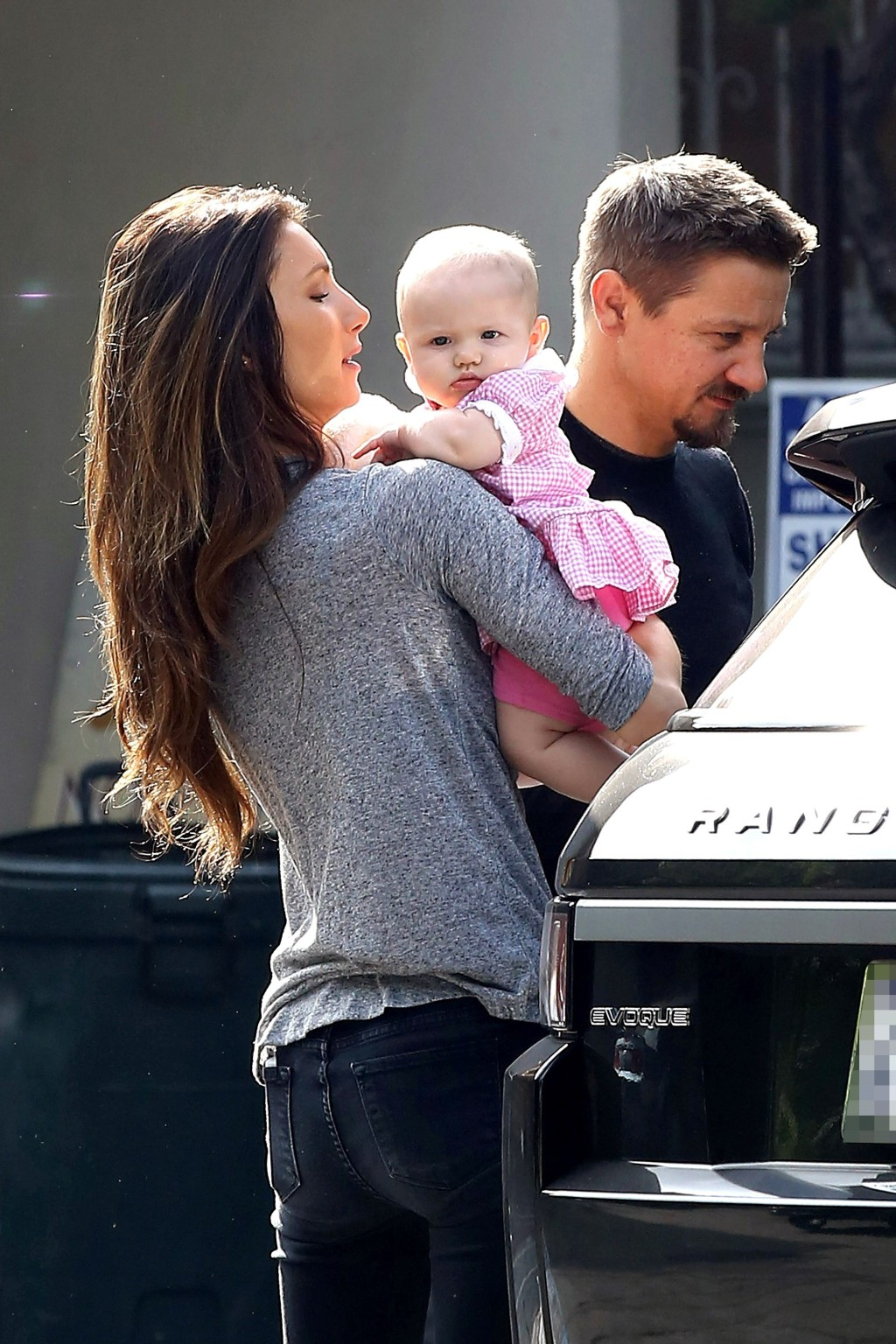 Jeremy Renner, daughter Ava, wife Sonni Pacheco