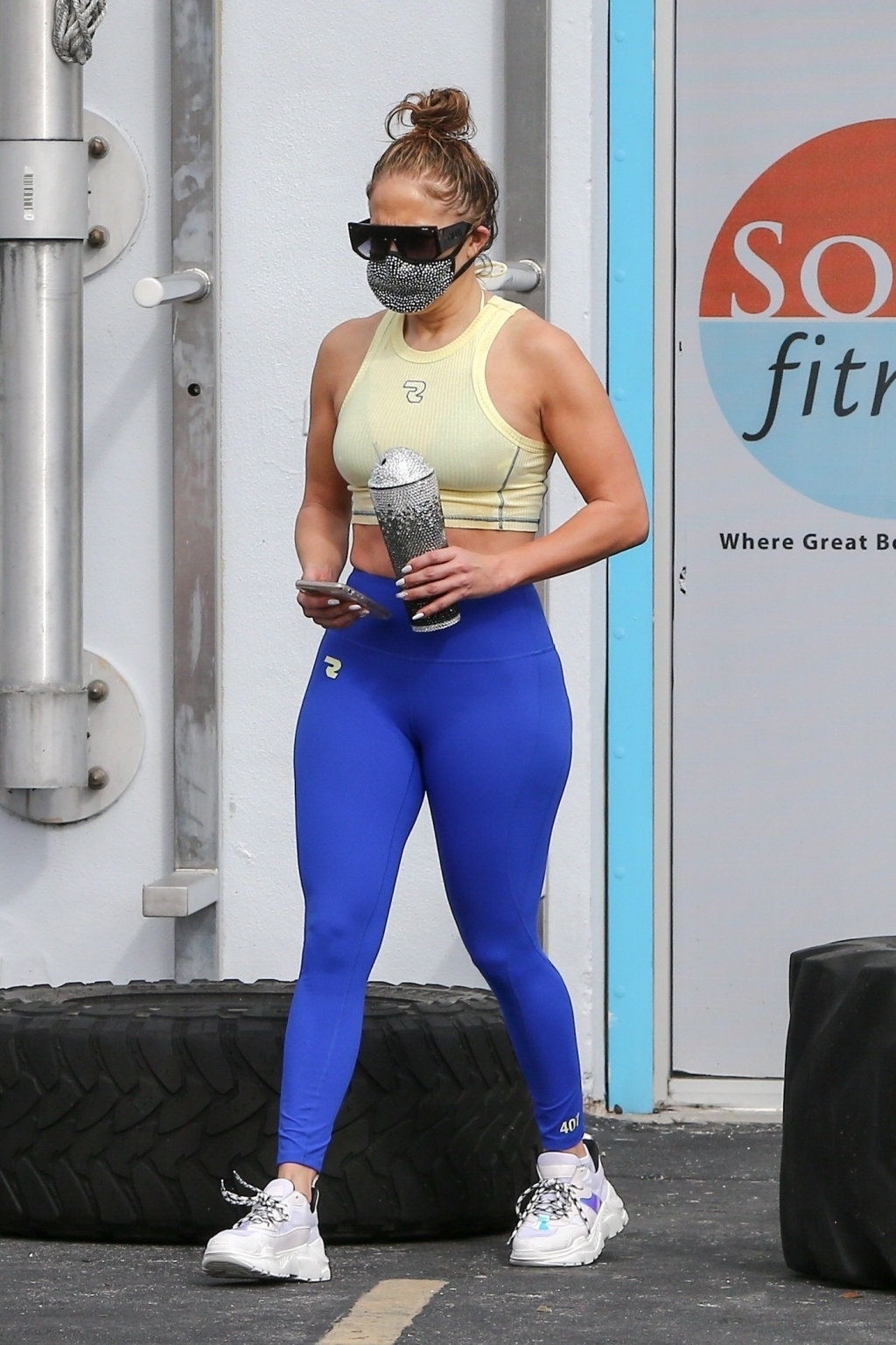 Jennifer Lopez coming out of the gym
